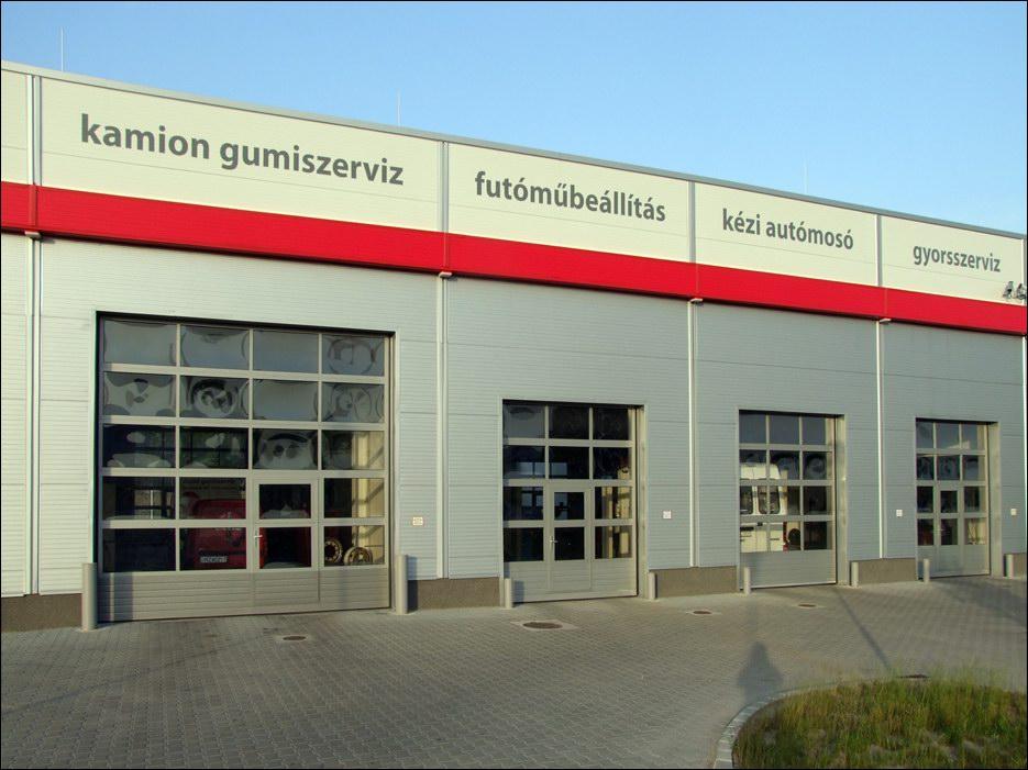 FULL VISION panoráma ablakos ipari kapuk autó szervizekhez